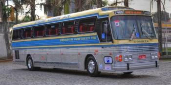 Ônibus Flecha Azul é restaurado para circulação