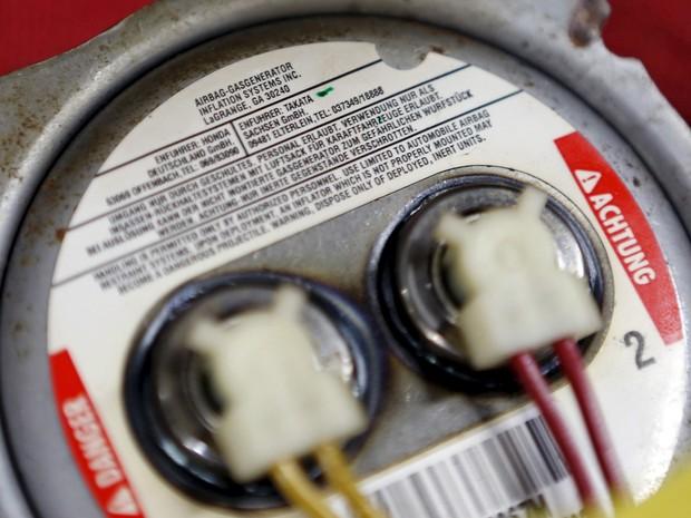 Montadoras continuam vendendo airbags defeituosos, diz relatório
