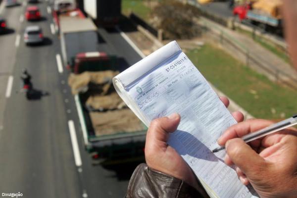 App no celular poderá dar desconto de até 40% em multas de trânsito